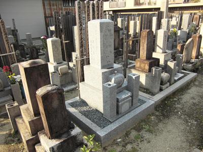 伏見区にあるお墓、玄忠寺境内墓地
